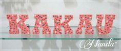 Letras em madeira - Detalhes em florzinhas.