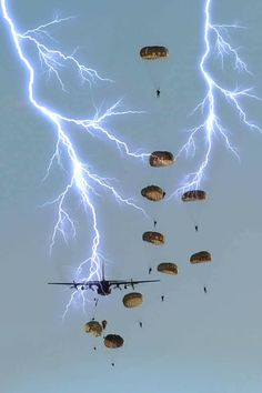 Military Humor, Military Army, Military History, Special Ops, Special Forces, Airborne Army, Army Pics, Us Army Rangers, South African Air Force