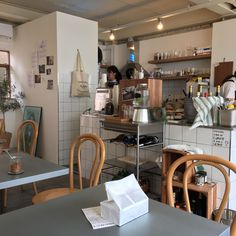Coffee shop ideas to start a business include interior design plans. These 10 ideas will inspire you. Opening a coffee shop is. Korean Coffee Shop, Korean Cafe, Coffee Shop Aesthetic, Cafe Concept, Cozy Cafe, Café Bar, Cafe Shop, Dark Interiors, Cafe Interior