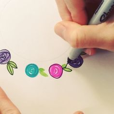 Flower Drawing Can't stop making these flowers! Doodle Lettering, Brush Lettering, Doodle Drawings, Doodle Art, Origami, Sharpie Art, Sharpies, Bible Art, Bullet Journal Inspiration