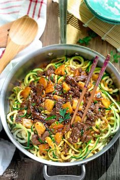 Keto One Pan Mongolian Beef Zoodles - 22 Of The Best Quick Keto Dinners. You won't believe how easy and delicious these recipes are. Low Carb recipes that can be made in the crockpot or a skillet. All of these drool-worthy recipes take 30 minutes or less Whole Food Recipes, Dinner Recipes, Cooking Recipes, Healthy Recipes, Delicious Recipes, Tasty, Bread Recipes, Easy Recipes, Keto Recipes