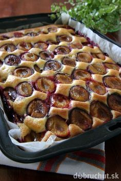 Polish plum cake - placek ze sliwkami - is another everyday dessert, especially in summer when plums are plentiful. But canned plums may be used in a pinch. Polish Desserts, Polish Recipes, No Bake Desserts, Healthy Desserts, Delicious Desserts, Dessert Recipes, Yummy Food, Czech Recipes, Pumpkin Cheesecake