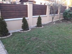 Enticing Modern fence of nwa,Backyard fence decor and Garden fence rules. Front Yard Fence, Farm Fence, Fenced In Yard, Brick Fence, Stone Fence, Concrete Fence, Bamboo Fence, Fence Landscaping, Backyard Fences