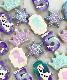 Frozen Birthday Cupcakes, Frozen Themed Birthday Party, Disney Frozen Birthday, Frozen Birthday Cake, Carnival Birthday Parties, Birthday Cookies, 5th Birthday, Birthday Ideas, Turtle Birthday