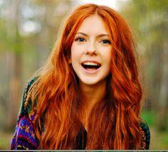 Jag har bestämt mig. Jag ska färga håret kopparfärgat/rött. Ska bara bestämma exakt vilken nyans, blir någon av de på bilderna nedan. Tjejerna och deras hår är
