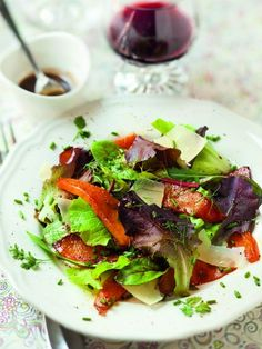 Salade de mesclun à la courge confite et au parmesan : Recette de Salade de mesclun à la courge confite et au parmesan - Marmiton
