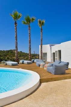 Pool_ white house_ Outdoor furniture. Studio arte architecture. Lusco Fusco Concepts for decoration- No Solid _EMU