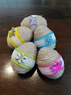 DIY: Jute twine Easter eggs – Our Swiss experience Jute Twine, Easter Eggs, Diy And Crafts, Upcycle, Bunny, Knitting, Projects, Decor, Log Projects