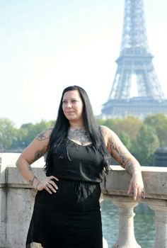 Honeymoon shoot in paris thanks to www.romanticportraitsparis.com