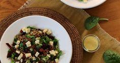 Ook in de herfst is het prima salade eten. Zeker de combi van spinazie met linzen en (truffel)kaas zijn perfecte smaken voor een herfstachtige dag Sprouts, Risotto, Vegetables, Food, Salads, Bulgur, Veggie Food, Brussels Sprouts, Vegetable Recipes
