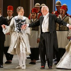 A few favorite curtain call pix from Glyndebourne Giulio Cesare on June 29 with #sarahconnolly and #joelleharvey