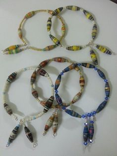 Paper beads Paper Bead Jewelry, Paper Beads, Beaded Jewelry, Beaded Necklace, Magazine Crafts, How To Make Rings, Beaded Rings, Loom Beading, Bracelet Designs