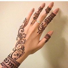 """4 Likes, 1 Comments - Lola (@for173cm2017) on Instagram: """"#henna"""""""