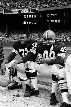 Football Photos, Football Memes, College Football, Football Team, Cleveland Browns History, Nfl Cleveland Browns, Cincinnati Reds, Jim Brown, Football Hall Of Fame