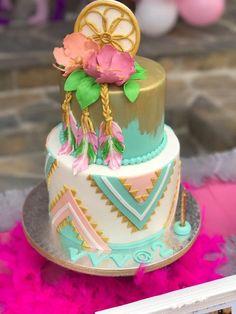 The most beautiful cakes Boho chic style Pretty Cakes, Cute Cakes, Beautiful Cakes, Amazing Cakes, Dream Catcher Cake, Dream Catchers, Bohemian Cake, Bolo Moana, Rhubarb Cake