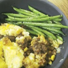 A Truly South African Cottage Pie Banana Bread Recipes, Tart Recipes, Salad Recipes, Queen Of Puddings, Mexican Salads, House Salad, Cottage Pie, South African Recipes, Chicken Livers
