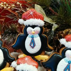 Sunday best Christmas penguin, skillfully piped by Teri Pringle Wood