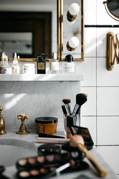 hair & beauty Mode Jackson Ludlow Hotel Beauty Produkte Hautpflegeprodukte Hair- How To Get Hair Tha Ludlow Hotel, Interior And Exterior, Interior Design, Fashion Jackson, Girly, Perfume, Home Decor Accessories, Decoration, Beautiful Homes