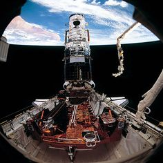 Hubble (télescope spatial) — STS-61 was the first Hubble Space Telescope servicing mission, and the fifth flight of the Space Shuttle Endeavour. The mission launched on 2 December 1993 from Kennedy Space Center in Florida