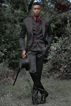 Costume homme gothique de mariage vintage en satin noir brodé rouge.  Costume ONGala 2073 Costume a8d89c7d158