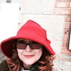 Hat 48 - Stylish designer hat on my way to Paris - Red Felt and so well behaved