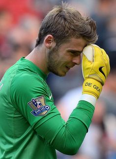 de Gea reacts as he leaves the pitch