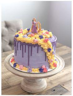 Bolo Rapunzel, Rapunzel Birthday Cake, Disney Princess Birthday Cakes, Tangled Birthday Party, Tangled Rapunzel, Rapunzel Cake Ideas, 6th Birthday Girls, 6th Birthday Cakes, Fourth Birthday