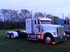 145 Best Freightliner's images in 2018   Big rig trucks, Big