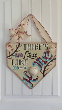 "Baseball Decor - ""There's no place like home"" Home Plate Door Hanging - Baseball & Softball - Baseball Wreath - Coach's Gifts-MLB- Home Base - MSJacobs - Dekoration Baseball Wreaths, Baseball Signs, Baseball Mom, Baseball Stuff, Softball Mom, Baseball Season, Softball Wreath, Softball Cheers, Softball Stuff"
