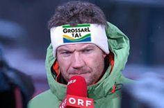 Armin Assinger moderiert mit Großarltal-Logo die Skirennen im Skiwinter 2014/2015