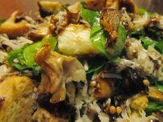 Λαχταριστή σαλάτα ρόκα με ψημένα μανιτάρια και χαλούμι Greek Dishes, Salads, Food And Drink, Beef, Chicken, Gastronomia, Cooking, Meat, Salad