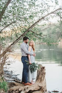Romance by the riverside | Image by Abby Weeden Photography & Design
