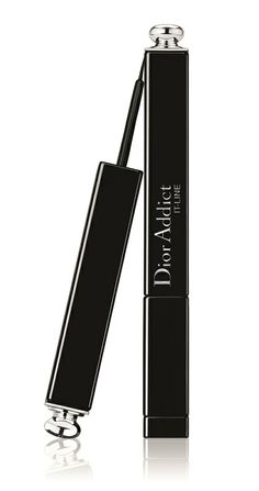 Dior Addict It-Line The Classic Signature Flick, Dior 2014, Dior Addict, Blink Of An Eye, Make Up Remover, Signature Look, Fashion Addict, Eyeliner, How To Apply, Good Things