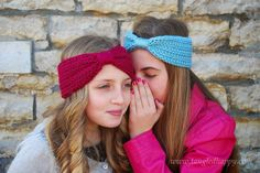 {Free Crochet Pattern} Wrapped Headband A three season headband with a charming knit look texture. Pairs perfectly with almost everything and looks stunning in any color.