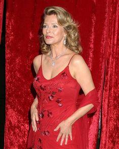 Cheryl Ladd, Kim Basinger, Farrah Fawcett, Got The Look, Female Form, Vintage Photographs, Celebrity Pictures, American Actress, Actresses