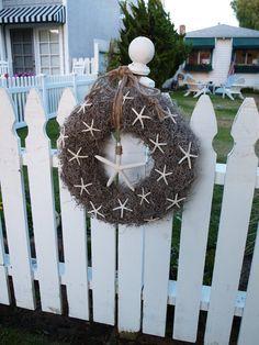 Coastal wreath with starfish