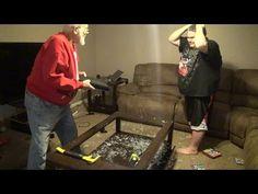 TVEstudio: Un abuelo cabreado destroza la PlayStation 4 de su nieto