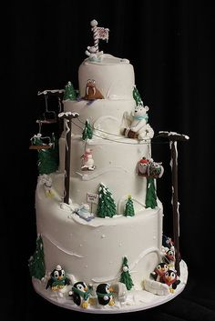 ski slope cake. Winter animals