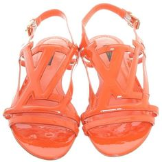 Pre-owned Varnish leather sandals in rich orange ($305) ❤ liked on Polyvore featuring shoes, sandals, orange, leather buckle sandals, pre owned shoes, genuine leather shoes, buckle shoes and buckle sandals