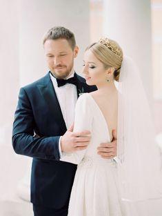 Wedding Photography Poses Regal style wedding with classic wedding dress - Classic Wedding Dress, Timeless Wedding, Elegant Wedding, Wedding Poses, Wedding Portraits, Wedding Ideas, Wedding Photoshoot, Wedding Images, Wedding Of The Year
