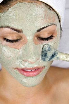Face Mask Recipes for Radiant Skin 10 AMAZING Homemade Face Mask Recipes! I love using DIY natural hair and skin AMAZING Homemade Face Mask Recipes! I love using DIY natural hair and skin products. Homemade Facial Mask, Homemade Facials, Homemade Masks, Homemade Moisturizer, Facial Diy, Homemade Products, Spa Tag, The Face, Get Rid Of Blackheads