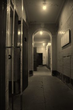 Old Police Lock Up on Hunter street Newcastle NSW - haunted