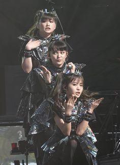 Sakura Gakuin, Moa Kikuchi, Girl Artist, Japanese Aesthetic, Japanese Artists, Japanese Female, Heavy Metal Bands, Kpop, Aesthetic Grunge