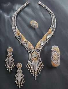 Shape Bridal Jewelry, Beaded Jewelry, Diamond Jewelry, Antique Jewelry, Vintage Jewelry, Jewelry Sets, Fine Jewelry, Bollywood Jewelry, Bling