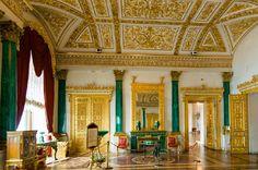 malachite-hall-at-the-winter-palace-in-st-petersburg