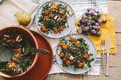 Afgelopen maandag deelden we een recept voor paarse spruitjes met tempeh-bacon. Vandaag staan de paarse spruiten nogmaalsin de spotlight, maar dit keer met toch weer een heel ander recept, want met spruitjes kan je echt allerlei kanten op.We proberen een optimaal gebruik te maken van de groenten die het seizoen ons bieden. Wie weet haal … Lees verder Salade met paarse spruitjes en peer →
