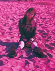 See Mazzy Star pictures, photo shoots, and listen online to the latest music. Hope Sandoval, Music Love, Art Music, Mazzy Star, Wild Girl, Star Pictures, Grunge Girl, Female Singers, Look Cool