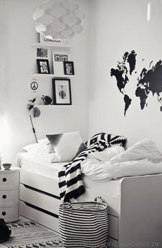 Black and white room ideas black and white room basket and rug from house doctor black . black and white room ideas Black White Rooms, White Kids Room, Black And White Bedroom Teenager, White Bedrooms, Bedroom Black, White Boys, Teenage Room, My New Room, Boy Room