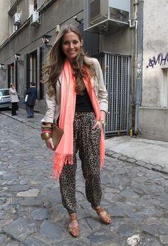 Shooting for Elle …..  , Aldo en Tacones / Plataformas, Zara en Pantalones harem, vintage en Clutches