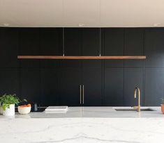 Simple Kitchen: 60 Beautiful and Cheap Decoration Tips! Linear Pendant Lighting, Led Pendant Lights, Linear Chandelier, Minimal Kitchen Design, Minimal Design, Minimalist Kitchen, Design Kitchen, Deco Led, Wood Sample